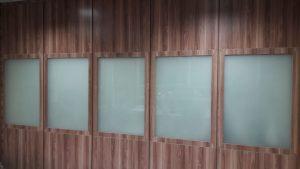 پارتیشن دوجداره با شیشه تمام سند بلاست1